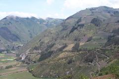 Erlebe die atemberaubende Landschaft Ecuadors